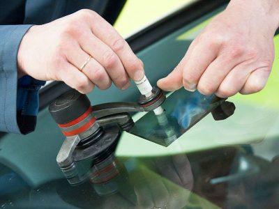 Glasschaden & Windschutzscheibenreparatur