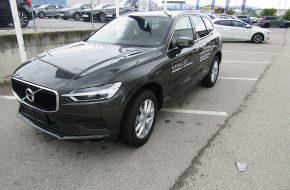 Volvo XC60 D3 Momentum Pro bei Autohaus L.E.B in