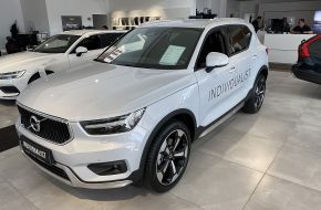 Volvo XC40 T4 Momentum Pro Geartronic bei Autohaus L.E.B in