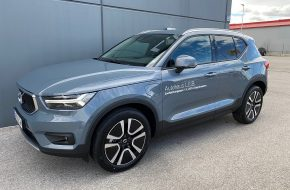 Volvo XC40 T5 Hybrid Twin Engine FWD Momentum Pro Aut. bei Autohaus L.E.B in
