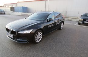 Volvo V90 D3 Momentum Pro Geartronic bei Autohaus L.E.B in