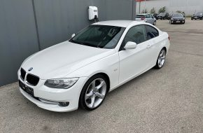 BMW 318i Coupé bei Autohaus L.E.B in