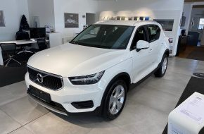 Volvo XC40 D3 Momentum Pro AWD Geartronic bei Autohaus L.E.B in