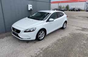 Volvo V40 D2 Kinetic bei Autohaus L.E.B in