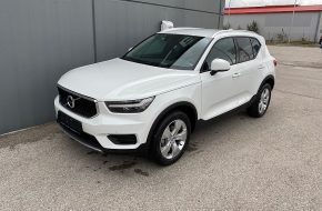 Volvo XC40 T3 Momentum Pro bei Autohaus L.E.B in