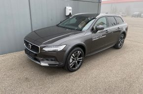Volvo V90 Cross Country Pro B4 AWD Geartronic bei Autohaus L.E.B in