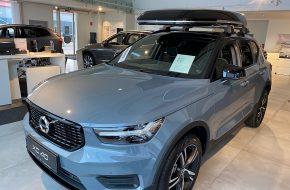 Volvo XC40 T2 R-Design Geartronic bei Autohaus L.E.B in
