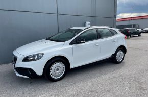 Volvo V40 Cross Country T4 bei Autohaus L.E.B in