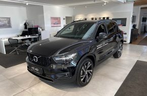 Volvo XC40 B4 AWD R-Design Geartronic bei Autohaus L.E.B in