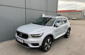 Volvo XC40 T2 Momentum Pro Geartronic bei Autohaus L.E.B in